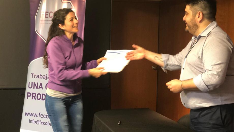 Entrega de certificados de CAME Educativa